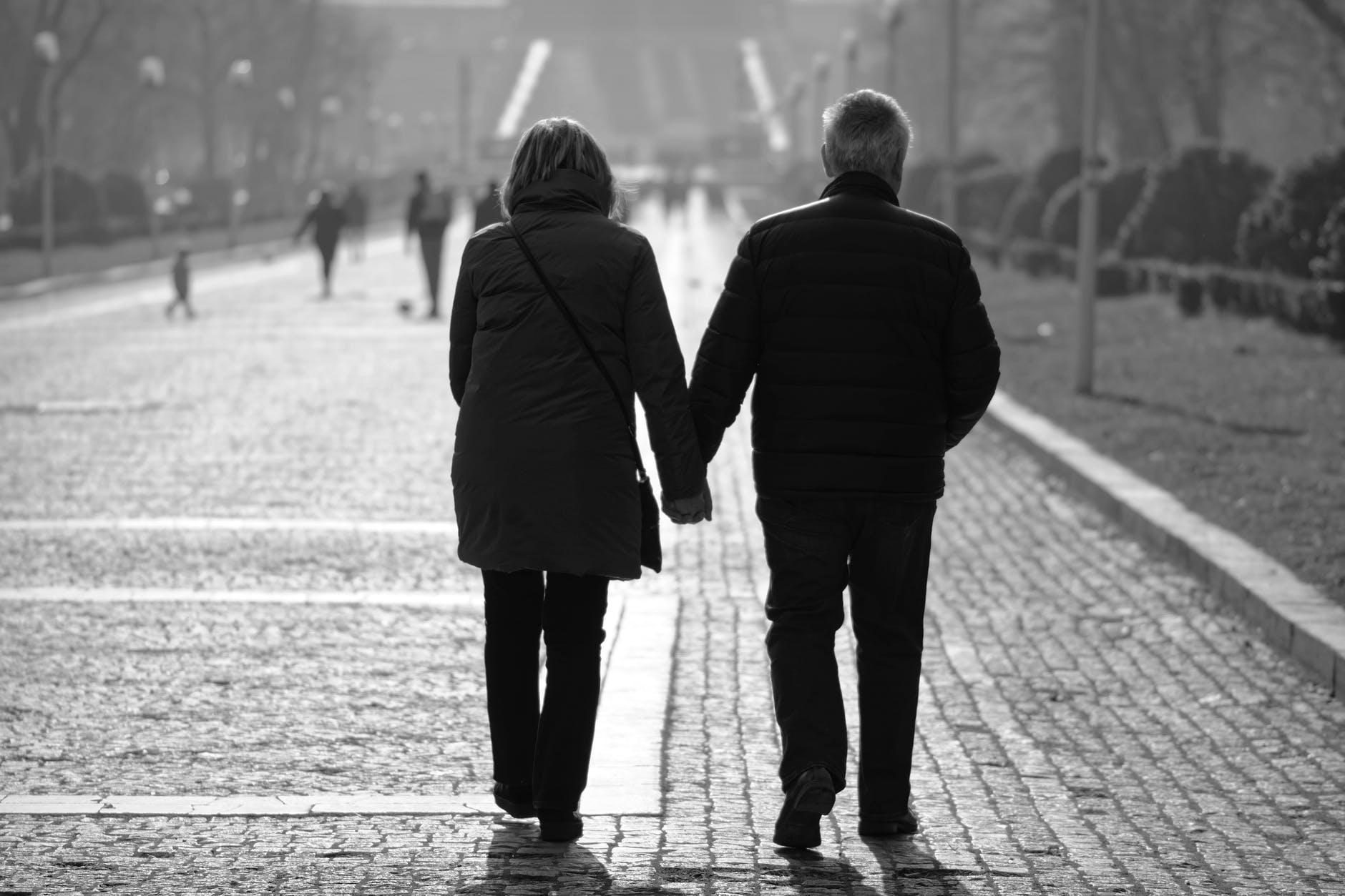 Dating für frauen über 60